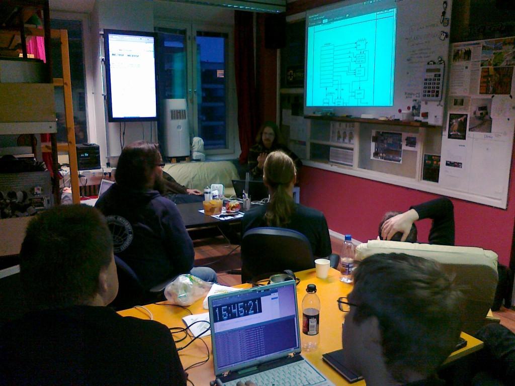 Tutustumme klassisiin Suomalaisten syntetisaattoreiden kytkentäkaavioiden nikseihin.