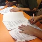 Kuva allekirjoitustilanteesta