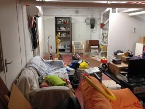 Ell-i:n huone saatiin tyhjennettyä, mutta aivan kaikki tavarat eivät löytäneet heti paikkaansa
